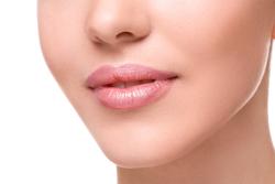 毛穴 ポツポツ 白い 後 洗顔 毛穴の白いニョロニョロを取る正しい方法6選!原因と予防対策は?